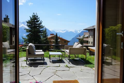 Lovely ski-in-ski-out apt., garden & view VERBIER
