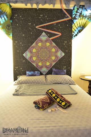 Dreamland Arts and Crafts' Stellar Skies
