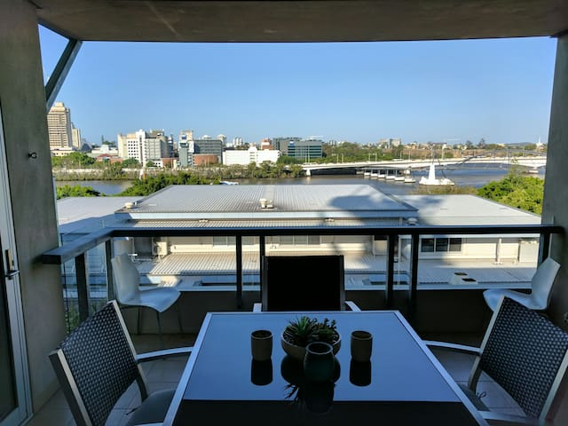 A1 Southbank location with 2 King Beds - South Brisbane - Appartement