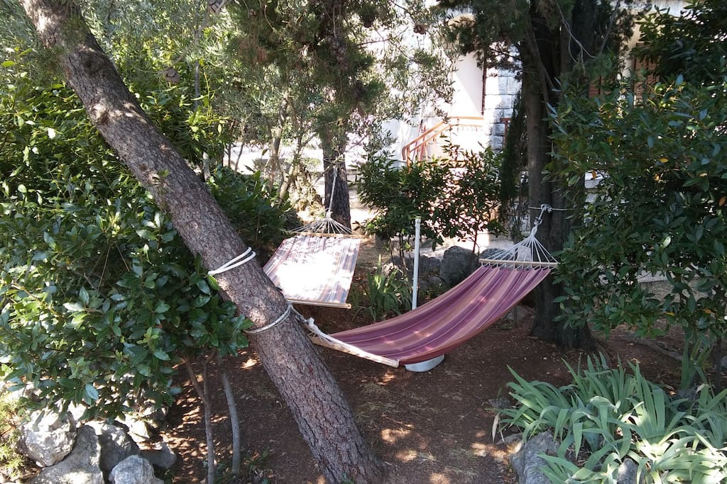 Hammocks for you to relax in the garden