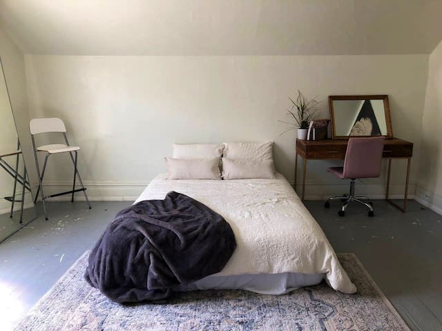 Artist Loft Private Bedroom