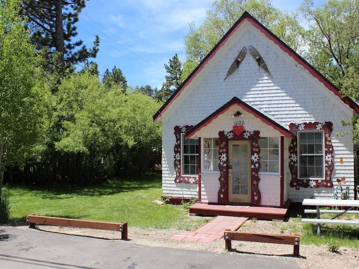 """""""The❤️House"""" Historic Pioneer Family Home"""