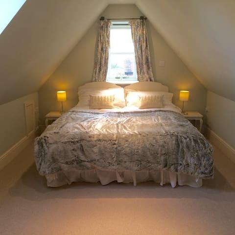 Double (or twin) bedroom