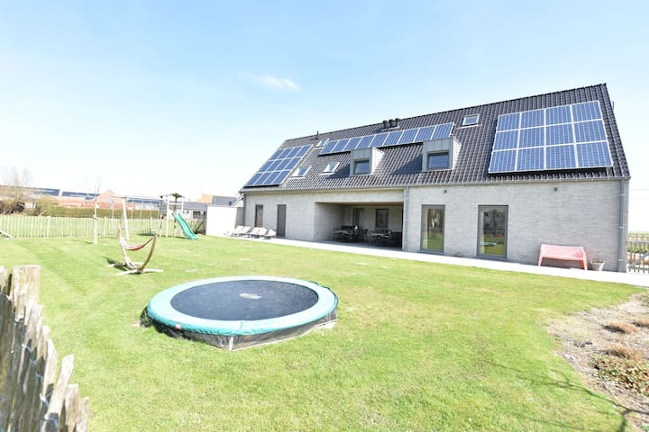 Gorgeous Villa with Sauna in De Haan near Beach