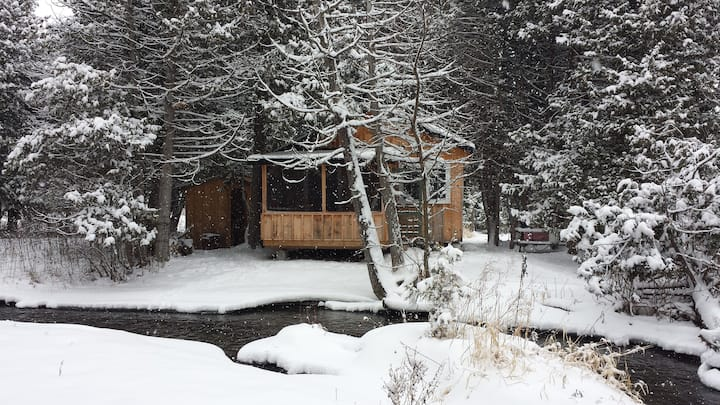 The cabin by the stream