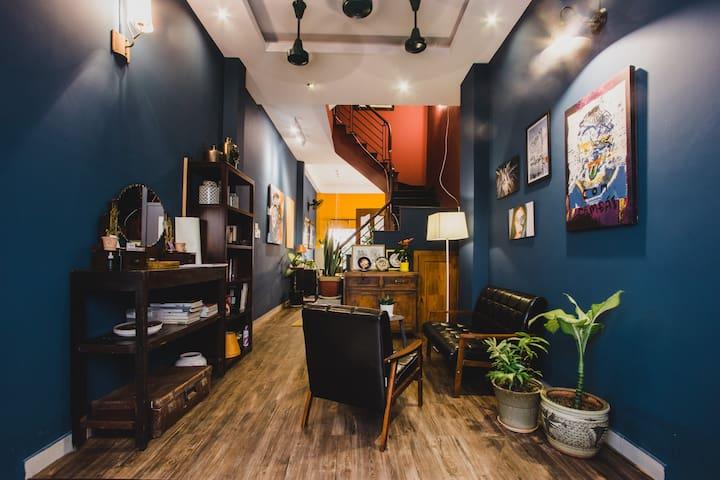 CAMP Dakao | a curated accomodation