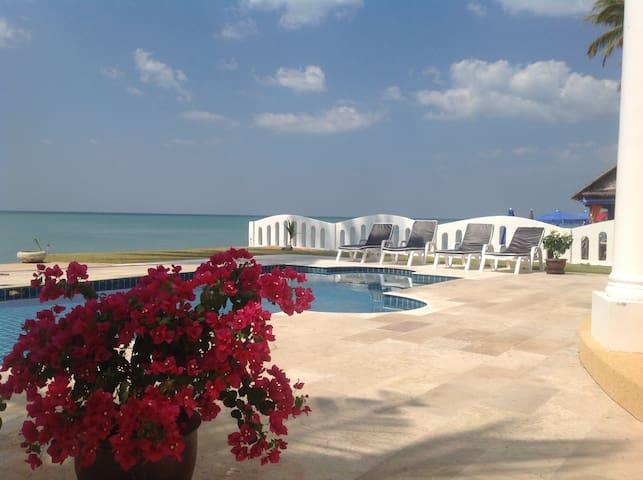 Strandvilla mit pool / Beach Villa - Khao Lak - Casa