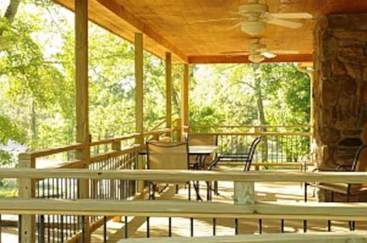 3BR Resort cabin near Cumberland Falls, KY
