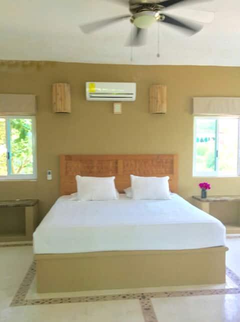 Hermosa habitación con cama king size y a/c
