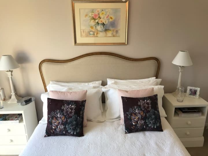 """Foxhall Boutique B&B - """"The Vixens Lair"""""""