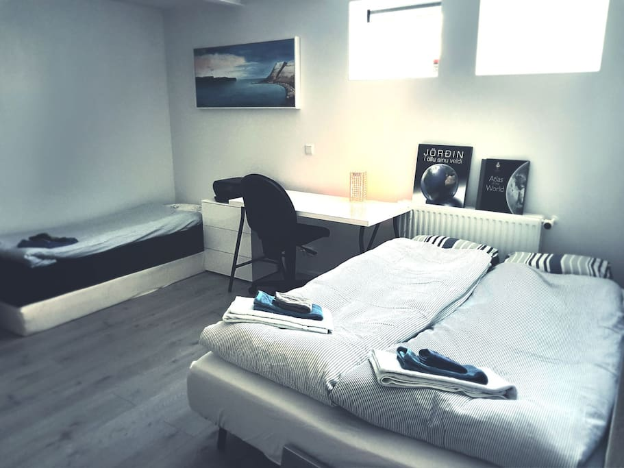 down stairs studio. Can be set up for 4 persons. private wc and shower.
