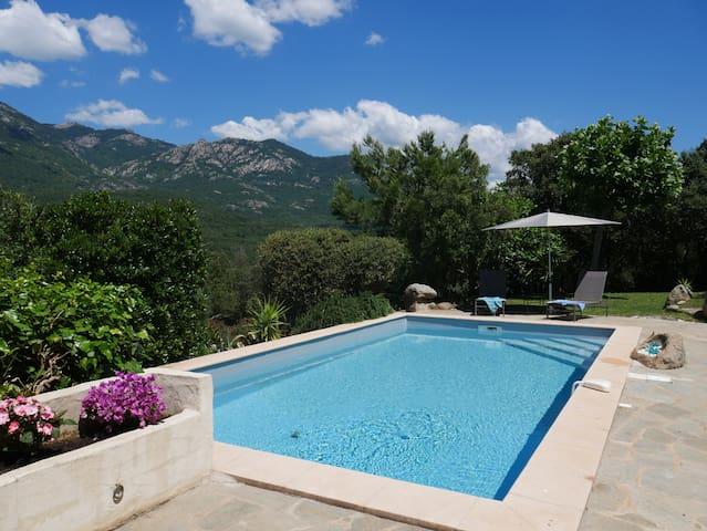 Villa 4* Piscine chauffée Pétanque privée