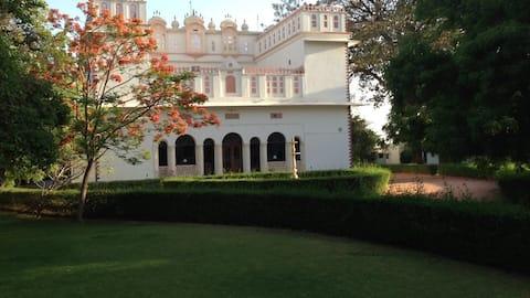 Bijay Niwas Palace  - A boutique homestay