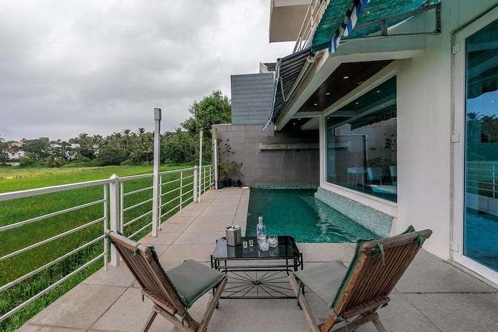 Greenfields 4BR Villa W/Pool and Paddy View.