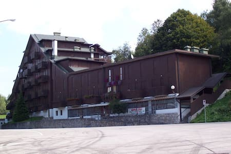 Appartamento Piazzale Nevegal fronte piste da sci - Nevegal - Lägenhet