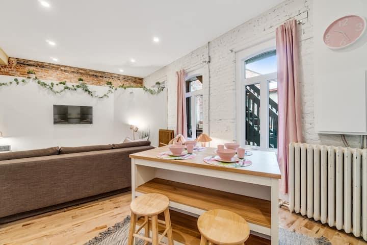 Flamingo apartment- Downtown Qc city