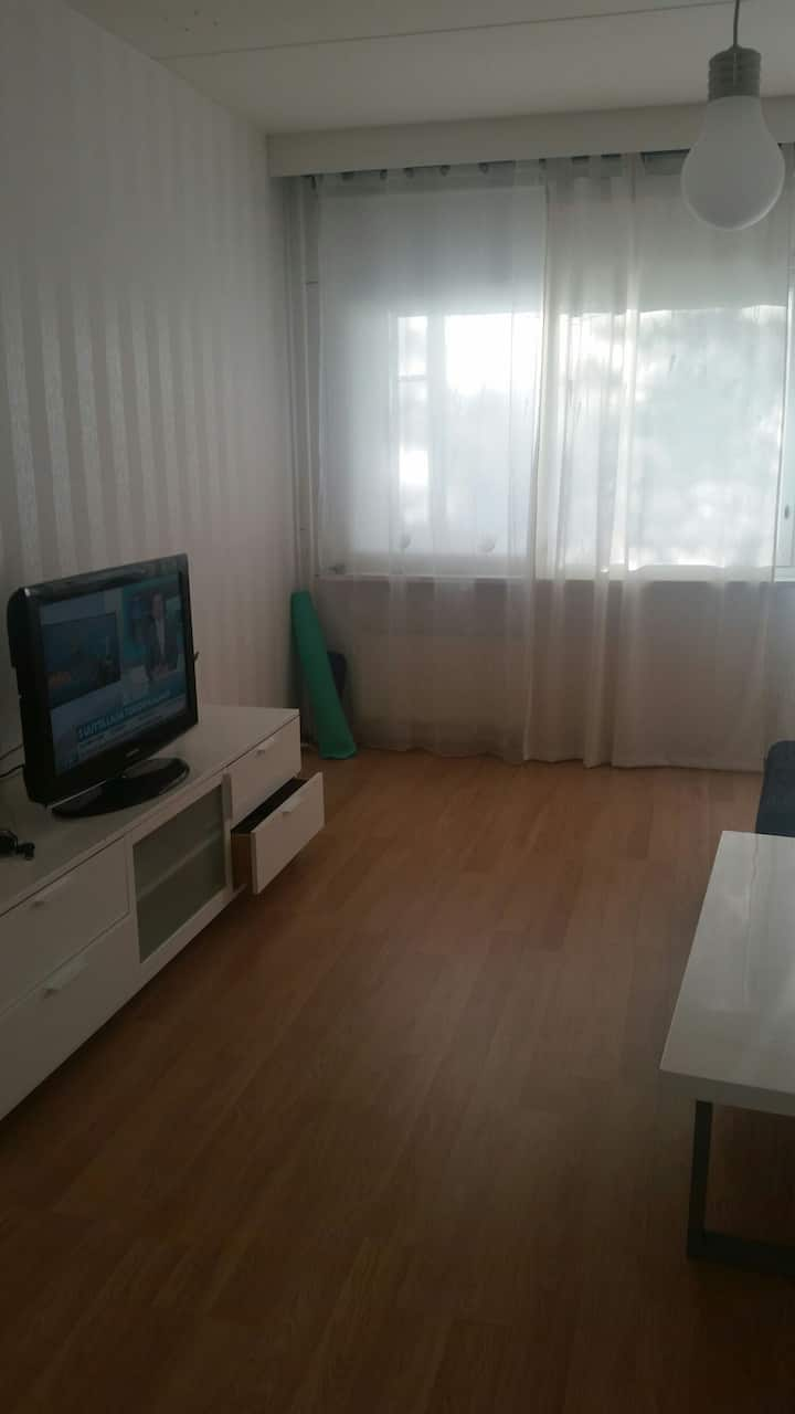 1 room available in 3 rooms apartme