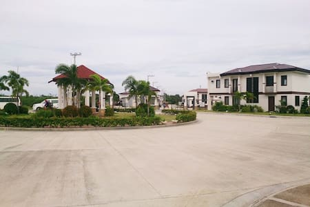 Best Deal Fully Furnished House with 24/7 security - Lapu-Lapu City - Talo