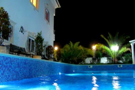 5Rooms Penthouse in Luxury Villa☆☆☆☆☆(10-15people) - Arnal - 別荘