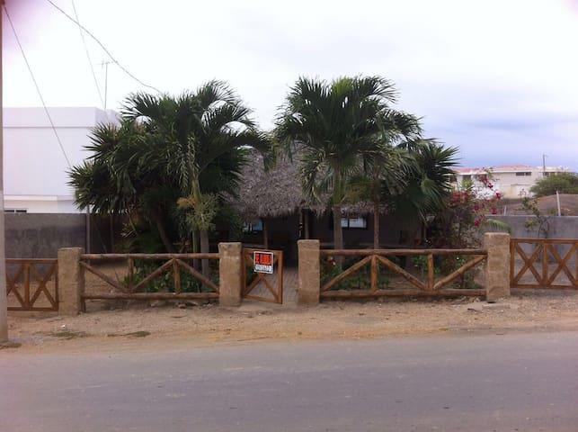 BEAUTIFUL BEACH HUT IN PTA BLANCA! - Punta Blanca