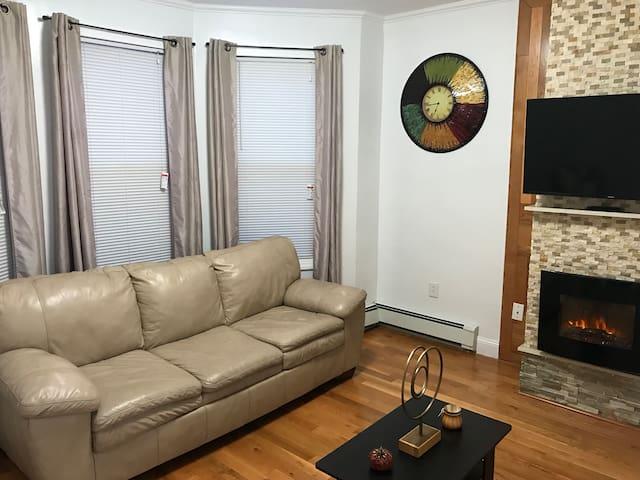 Modern 2-Bedroom apartment near Manhattan North B.