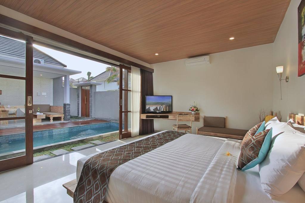 Facing Private Pool Bedroom