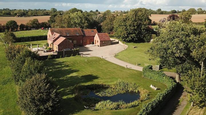 Idyllic Rural Shropshire Retreat - Barn
