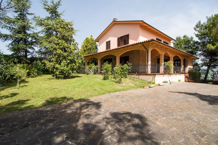 Beautiful house in country - Osimo