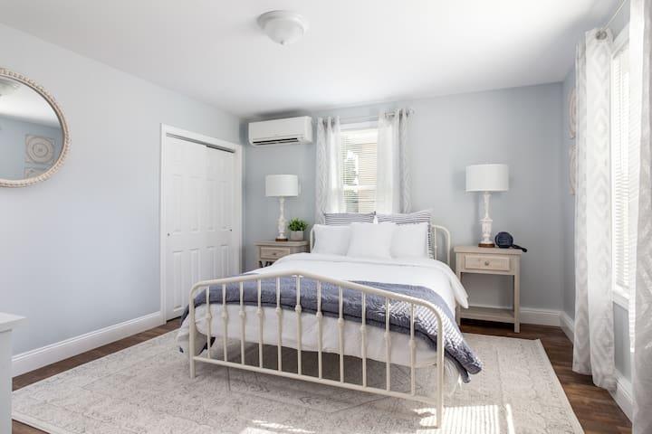 Bedroom #6, Lower level, Queen Bed
