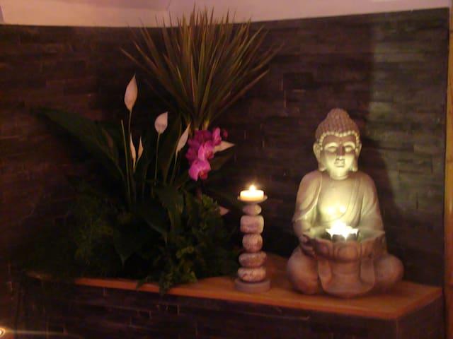 "Suite ""Bali"" avec balnéo et sauna"