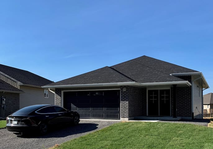 Brand New Build close to Highway and County