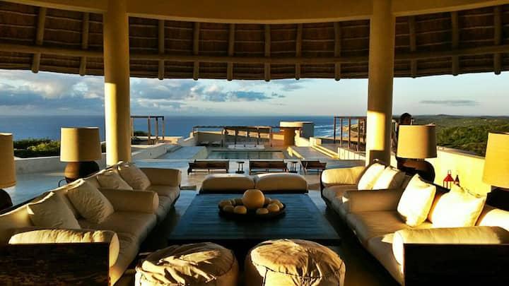 Kupulangu: Exceptional Villa on the Indian Ocean