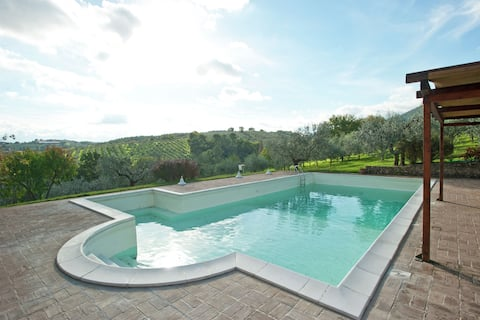 Farmhouse in Giano dell'Umbria with Jacuzzi, Swimming Pool