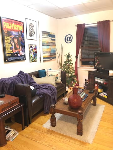 Cozy, one-bedroom apartment in the heart of town