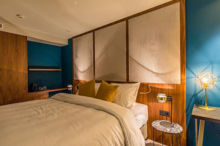 CITY CENTER - LUXURY 4* BOUTIQUE HOTEL - COMFORT DOUBLE ROOM