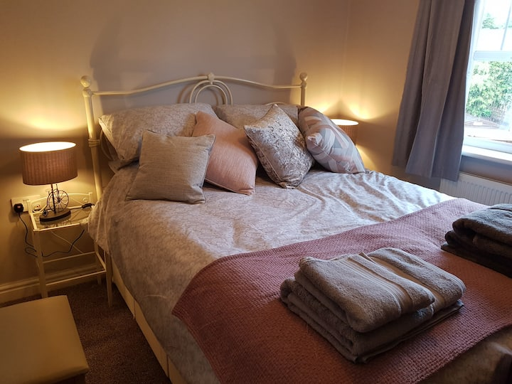 Double room to rent in a lovely village