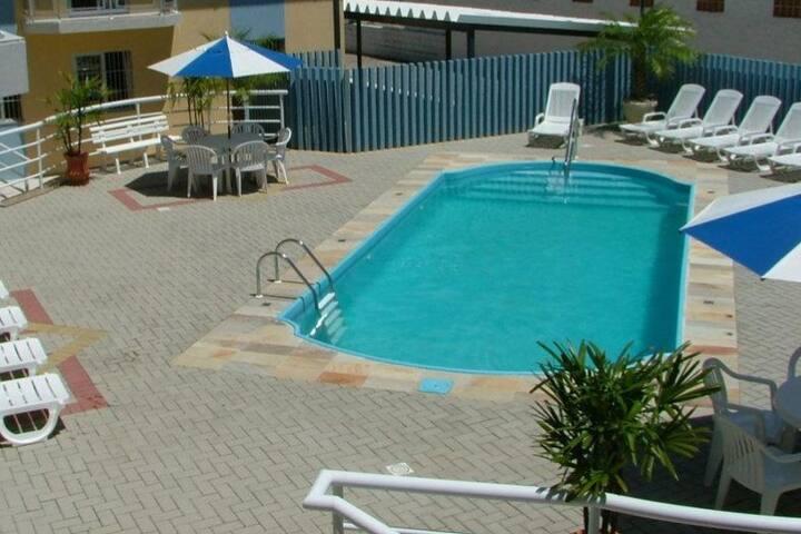 Lindo Apartamento na quadra do mar c/ piscina.