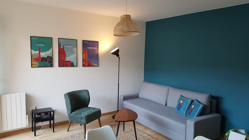☆ 2 rooms, central, next to tram ☆ secure parking