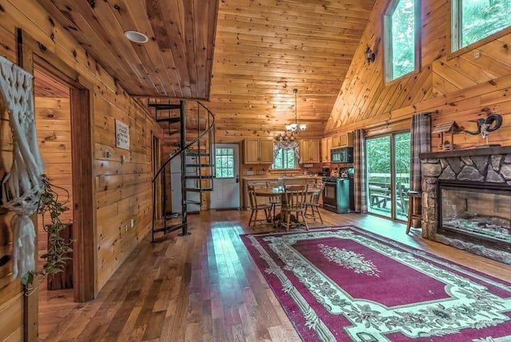 Moss Cottage @ Magnolia Streamside Resort