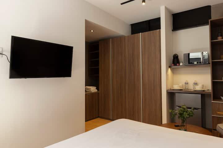Private Suite perfect Location