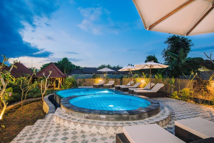 Karang Mas Villa-One Bedroom  Pools View