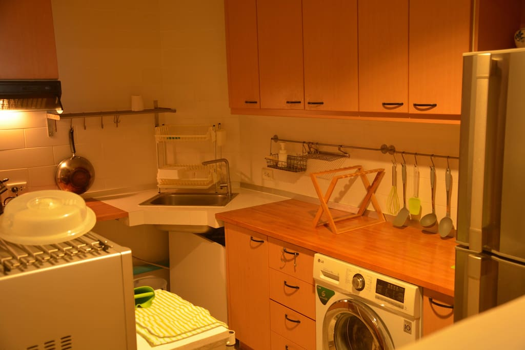Full ly function kitchen and washing machine