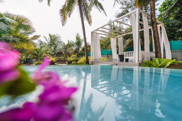 Luxurious private Villa with Pool in Calangute.