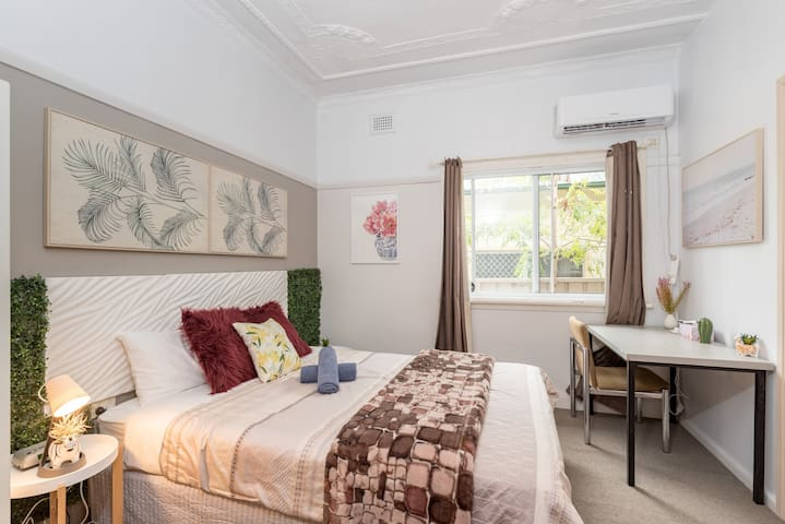 Boutique Private Suite 7 Min Walk to Sydney Domestic Airport 3- SHAREHOUSE
