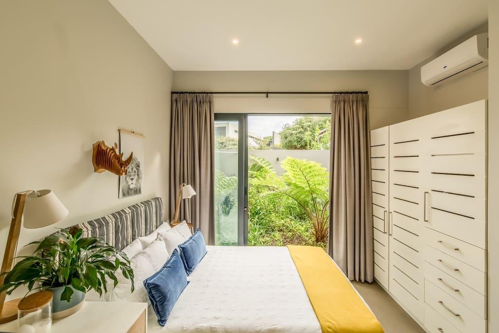 Bedroom 3 (now 2 singles)