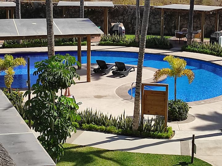 Disfruta del sol, playa y confort de Mazatlán