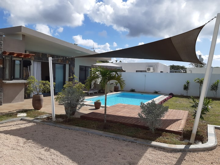 New private 3 bedroom bungalow with pool Grand Bay