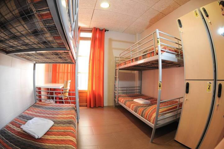 Dormitorio compartido mixto - 4 personas