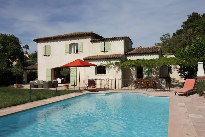 Lovely Villa in Valbonne with Swimming Pool