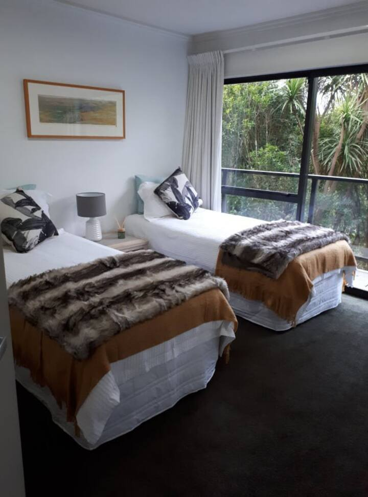 Tranquil Bush Retreat - x2 single beds